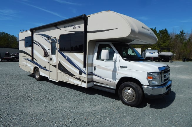 2015 Thor Motor Coach Freedom Elite available for rent in Waxhaw NC