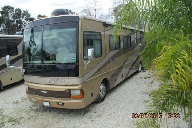 2006 Fleetwood Discovery available for rent in Houston TX