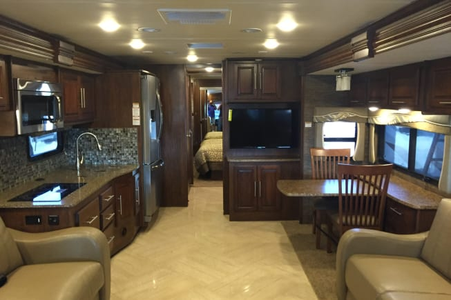 2016 Coachmen Pathfinder available for rent in Dallas TX