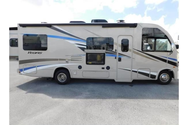 2018 Thor Motor Coach Vegas available for rent in West Palm Beach FL