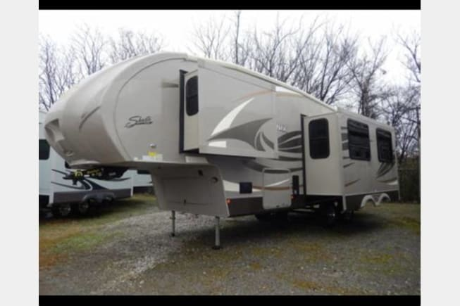 2016 Shasta Phoenix available for rent in Fort Worth TX