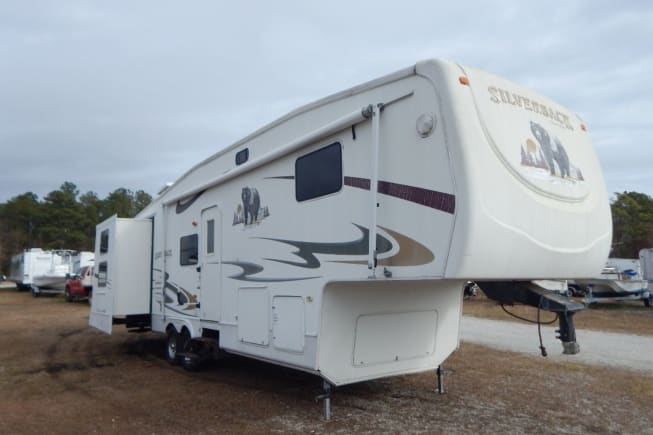 2006 Forest River Silverback available for rent in Pomfret VT