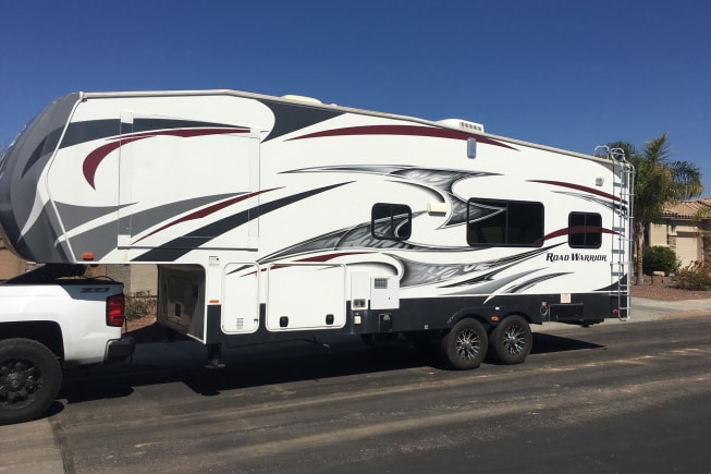 2015 Heartland Road Warrior available for rent in Peoria AZ