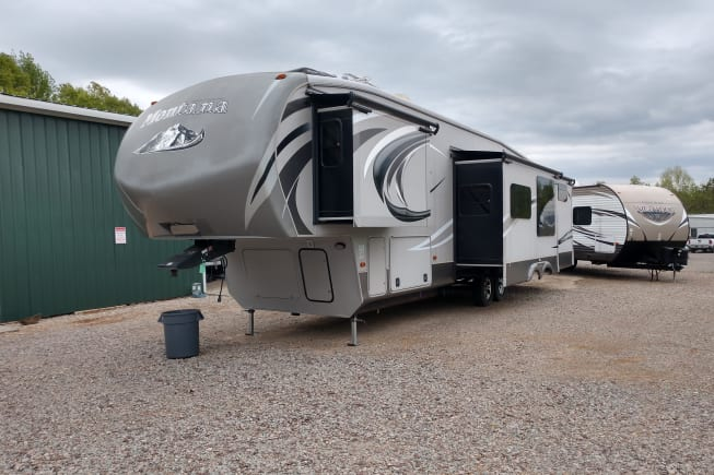 2015 Keystone Montana High Country available for rent in Savannah TN