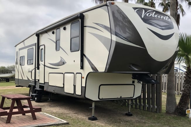 2018 Keystone Volante 3801MD available for rent in McAllen TX