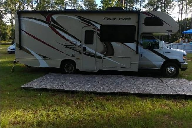2019 Thor 2019 Thor Four Winds available for rent in Lee FL
