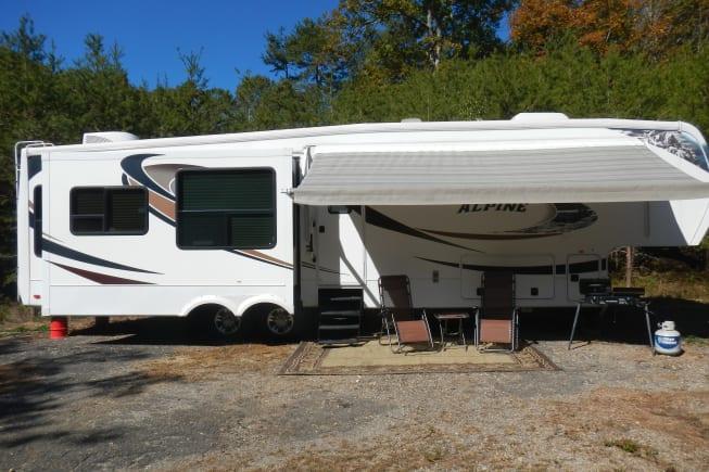 2011 Keystone Alpine available for rent in Kingston TN