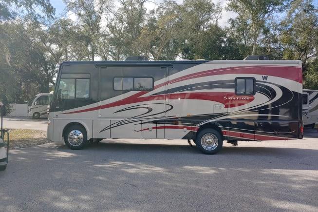 2013 Winnebago Sightseer available for rent in Zephyrhills FL