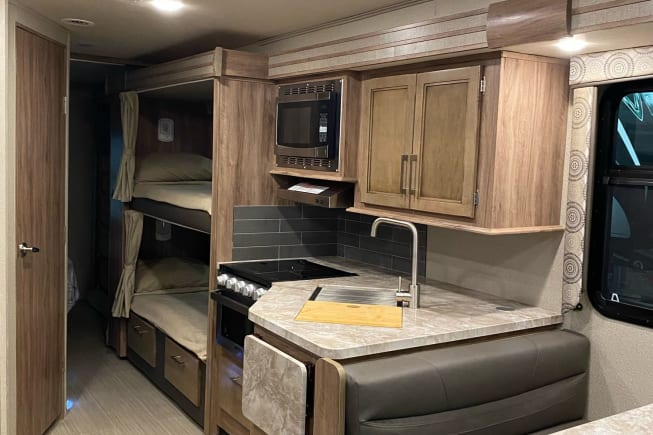 2020 Entegra Coach 31f available for rent in North Las Vegas NV