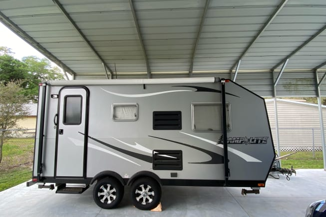 A nice lightweight travel trailer!  Easy to tow and park!