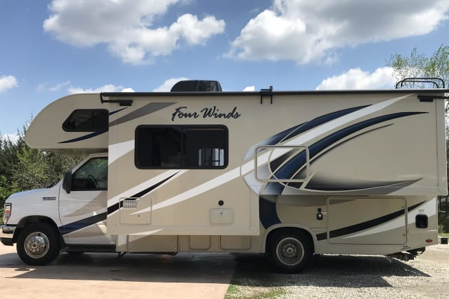 2018 Thor Motor Coach Four Winds available for rent in Battle Creek MI