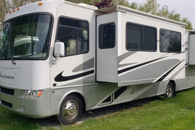 2006 Thor Motor Coach Hurricane 34N available for rent in Glen Rock PA