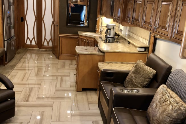 2016 Thor Motor Coach Tuscany available for rent in Leesburg FL