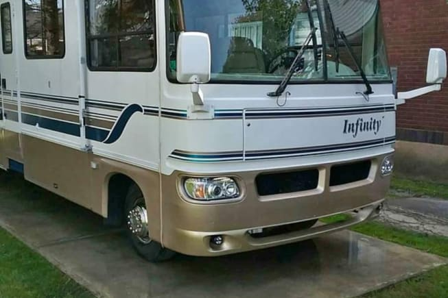 1997 Thor Motor Coach Four Winds Infinity available for rent in Coalport PA