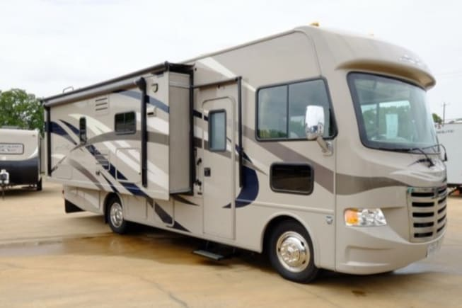 2014 Thor Motor Coach A.C.E available for rent in Coppell TX