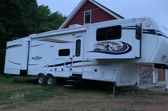 2013 Keystone Montana Mountaineer available for rent in New Boston NH