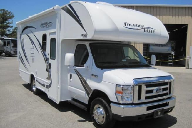 Immaculate 2019 Class C 24ft Freedom Elite 2 is easy to drive & maneuver with 3 outside cameras
