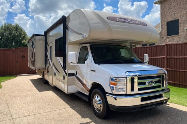 2019 Thor Motor Coach Four Winds available for rent in Prosper TX
