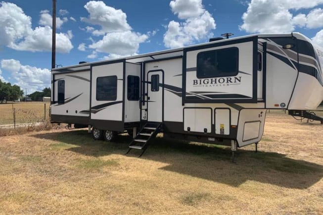 2020 Heartland Bighorn available for rent in Liberty Hill TX