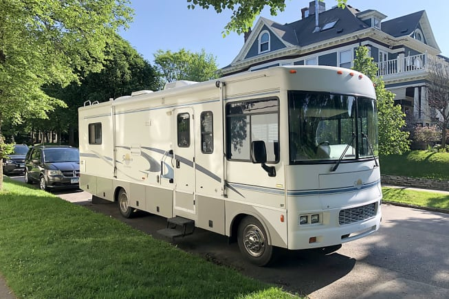 2004 Itasca Sunova available for rent in Saint Paul MN