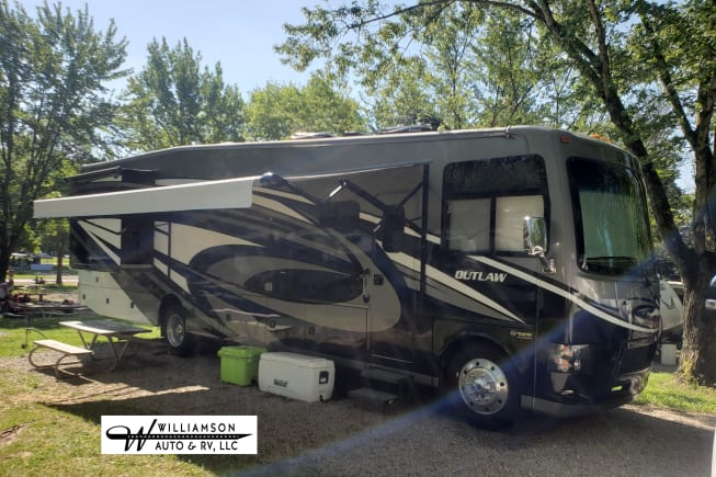 2016 Thor Motor Coach Outlaw available for rent in Scipio IN