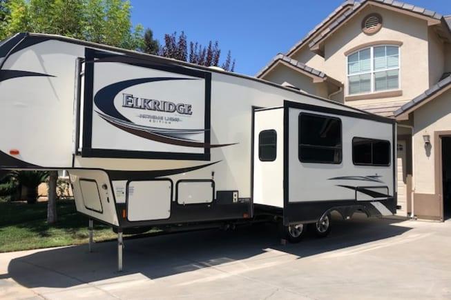 2015 Heartland Elkridge available for rent in FRESNO CA