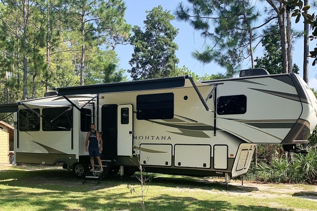 2020 Keystone Montana available for rent in Laurel hill FL