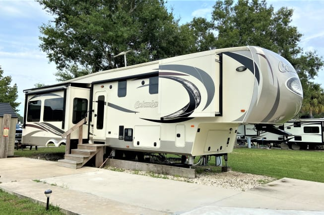 2017 Palomino Columbus 383FB available for rent in Thonotosassa FL