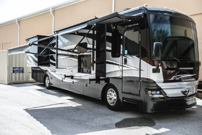 2016 Fleetwood Pace Arrow available for rent in Fort Myers FL