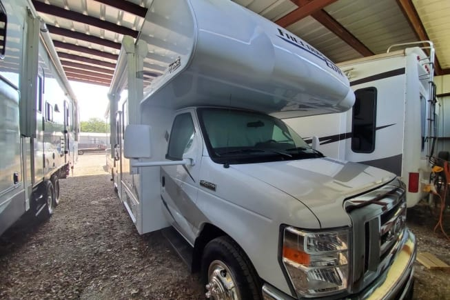 2021 Thor Motor Coach Freedom Elite available for rent in Arlington TX