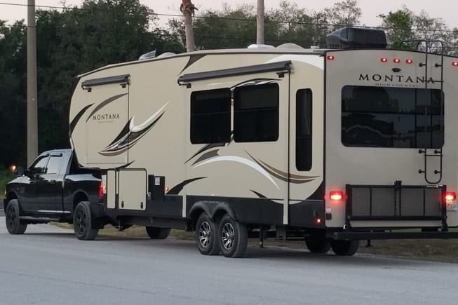 Montana Fifth-Wheel