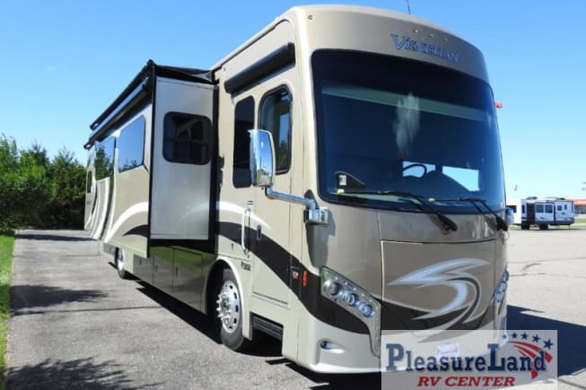 2017 Thor Motor Coach Venetian available for rent in Rosemount MN