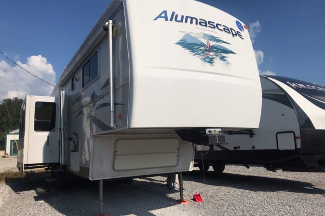 2006 Holiday Rambler Alumascape available for rent in Wiggins MS