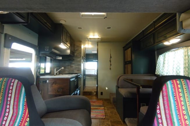2011 Thor Motor Coach Freedom Elite available for rent in Salado TX