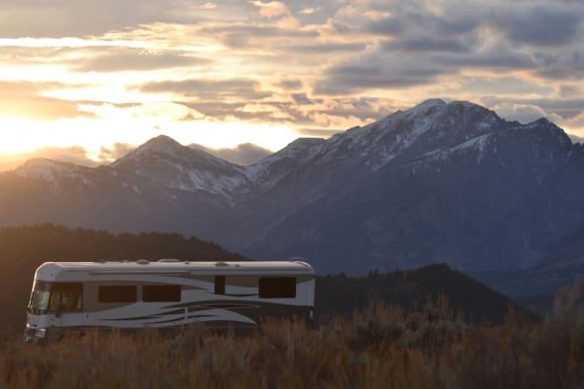 2007 Winnebago Itasca Suncruiser available for rent in Ham Lake MN