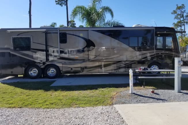 2006 Newmar Mountain Aire available for rent in Naples FL