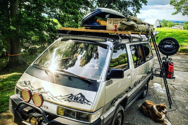 1987 Toyota 4WD Van Wagon available for rent in Jefferson City TN