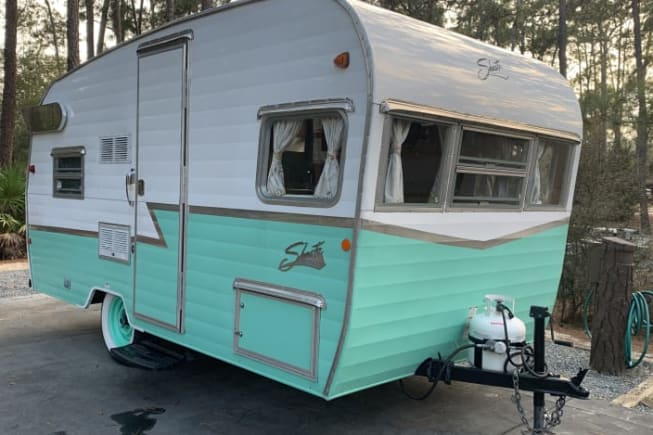 2015 Shasta Airflyte available for rent in KISSIMMEE FL
