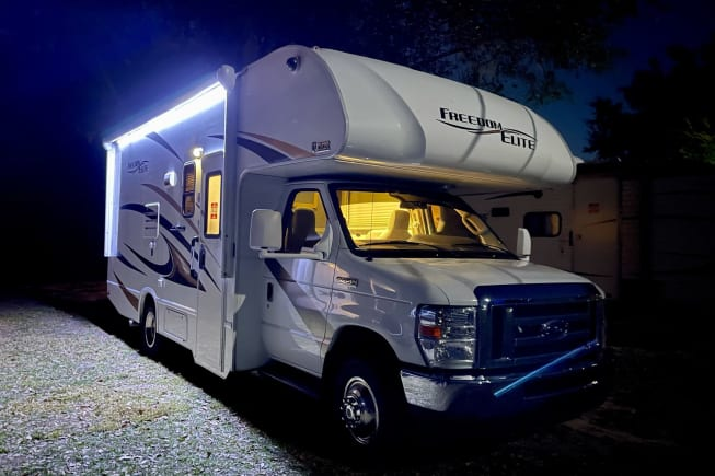 2017 Thor Motor Coach Four Winds available for rent in Zephyrhills