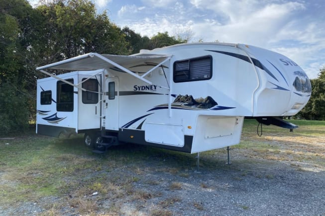 2011 Keystone Sydney Outback available for rent in Chadds Ford PA