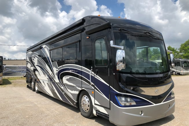 2018 American Hauler American Revolution 42q available for rent in Tampa FL