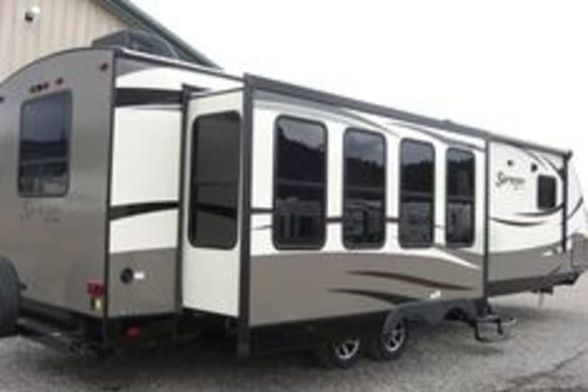 This trailer gives the perfect view all along the wall and through the back windows as well.