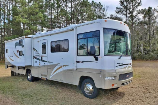 2008 Winnebago Vista 32k available for rent in Sioux Falls SD