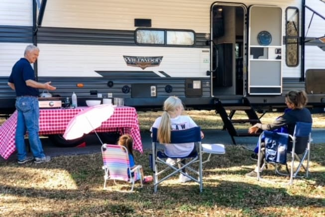 2021 River Forest Wildwood - AMAZING Bunkhouse and Outdoor Kitchen - Sleeps 8 with all the comforts of home.