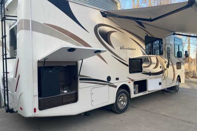 2018 Thor Motor Coach Hurricane available for rent in ANGOLA IN