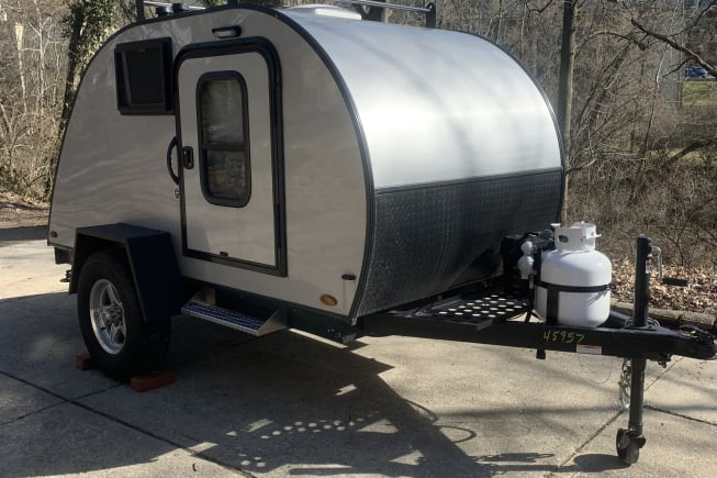 This rugged teardrop trailer is perfect for the couple looking to just getaway!!