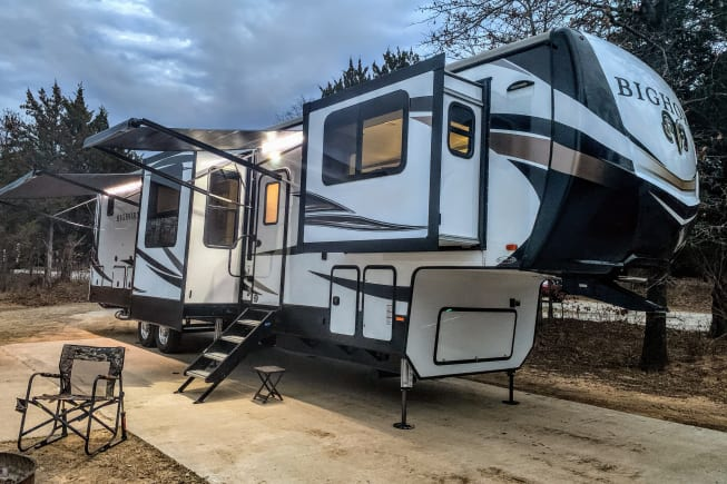 2020 Heartland Bighorn available for rent in River Oaks TX