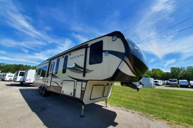 2017 Keystone Montana High Country available for rent in St Charles IL