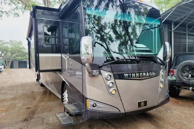 2015 Winnebago Tour available for rent in Gibsonton FL