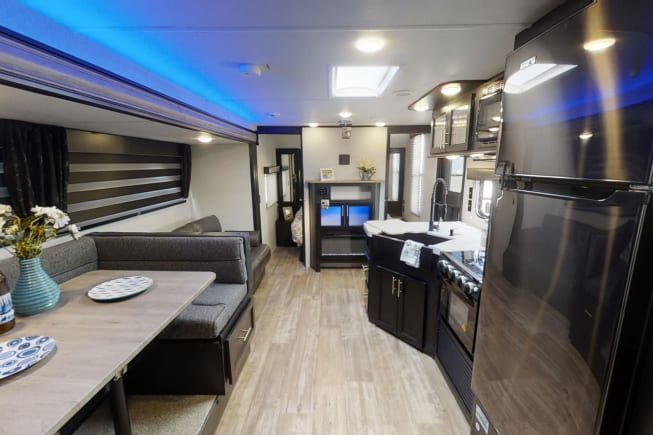 2021 Forest River Cherokee Grey Wolf available for rent in Mansfield TX